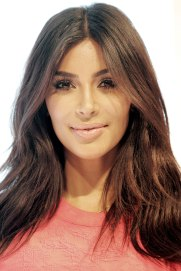 1200px-Kim_Kardashian_West_2014